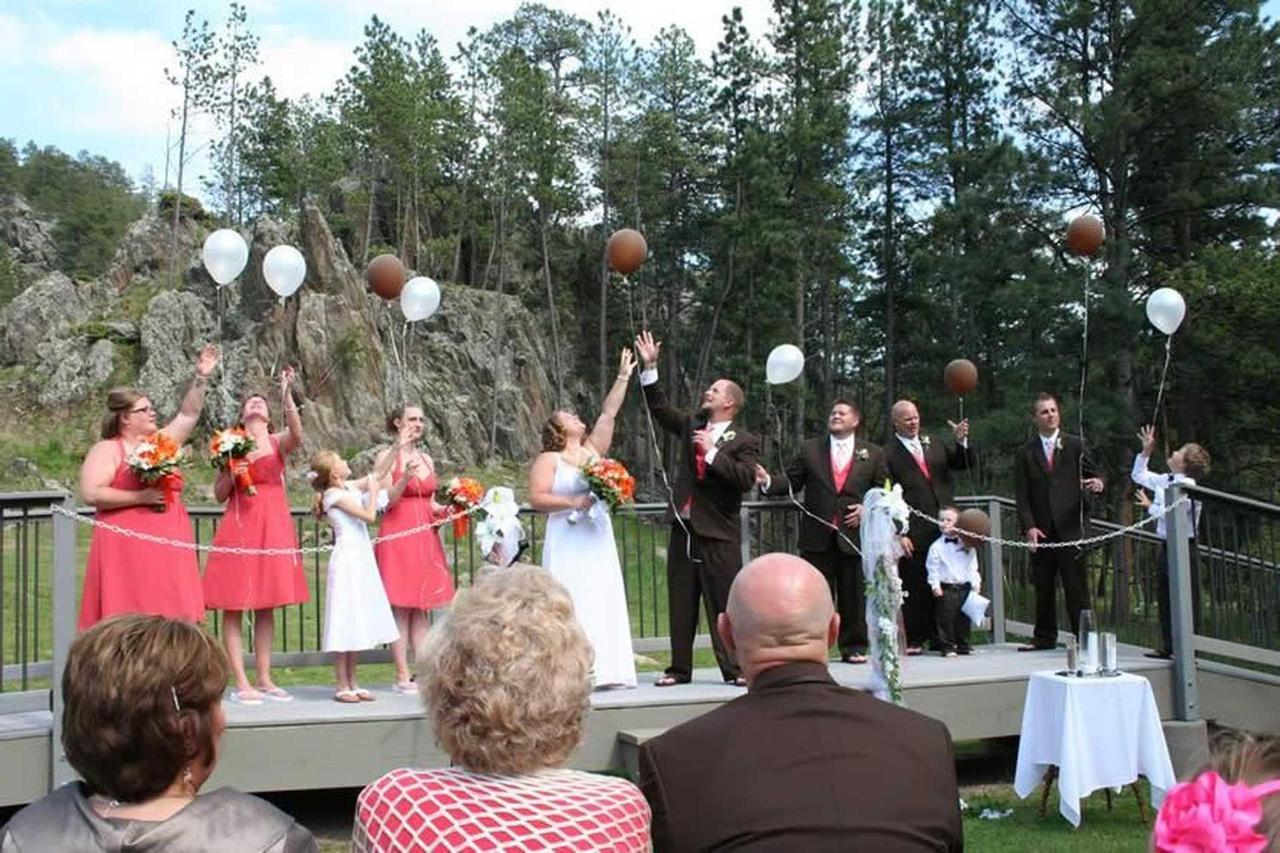 bridge-baloons.jpg.1920x0.jpg