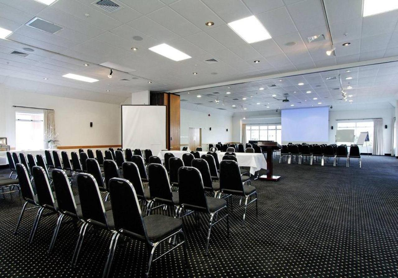 conference-rooms-discovery-endeavour-combined.jpg.1024x0.jpg