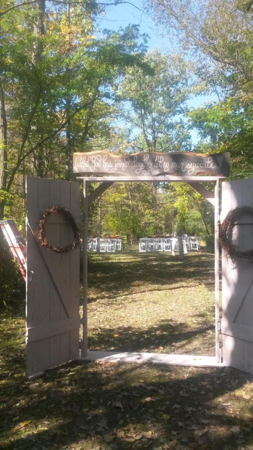 entrancedoors.png.1920x0.png