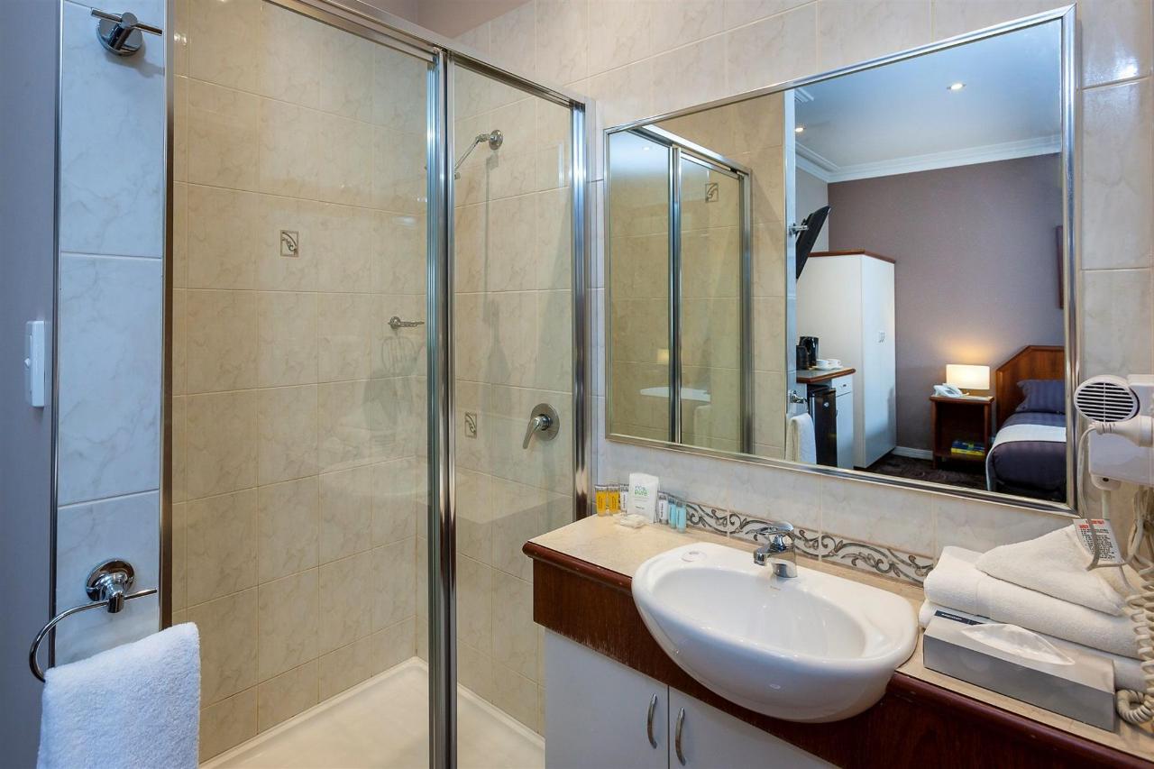 dlx-bath.jpg