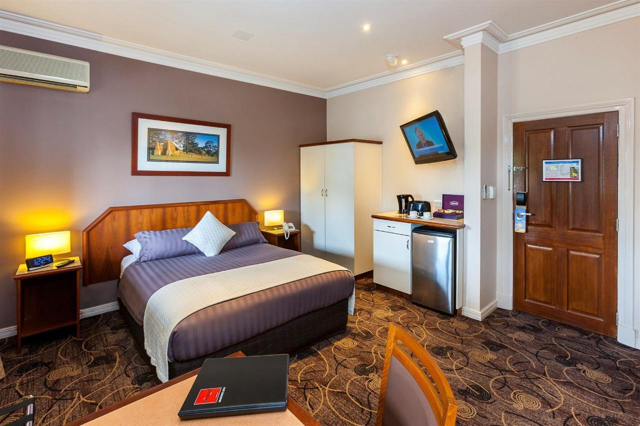 dlx-room.jpg