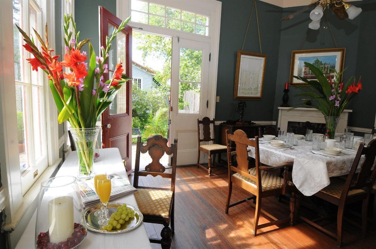 breakfast-room-2.jpg