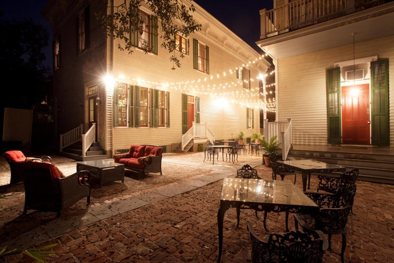courtyard-shot-nite.jpg