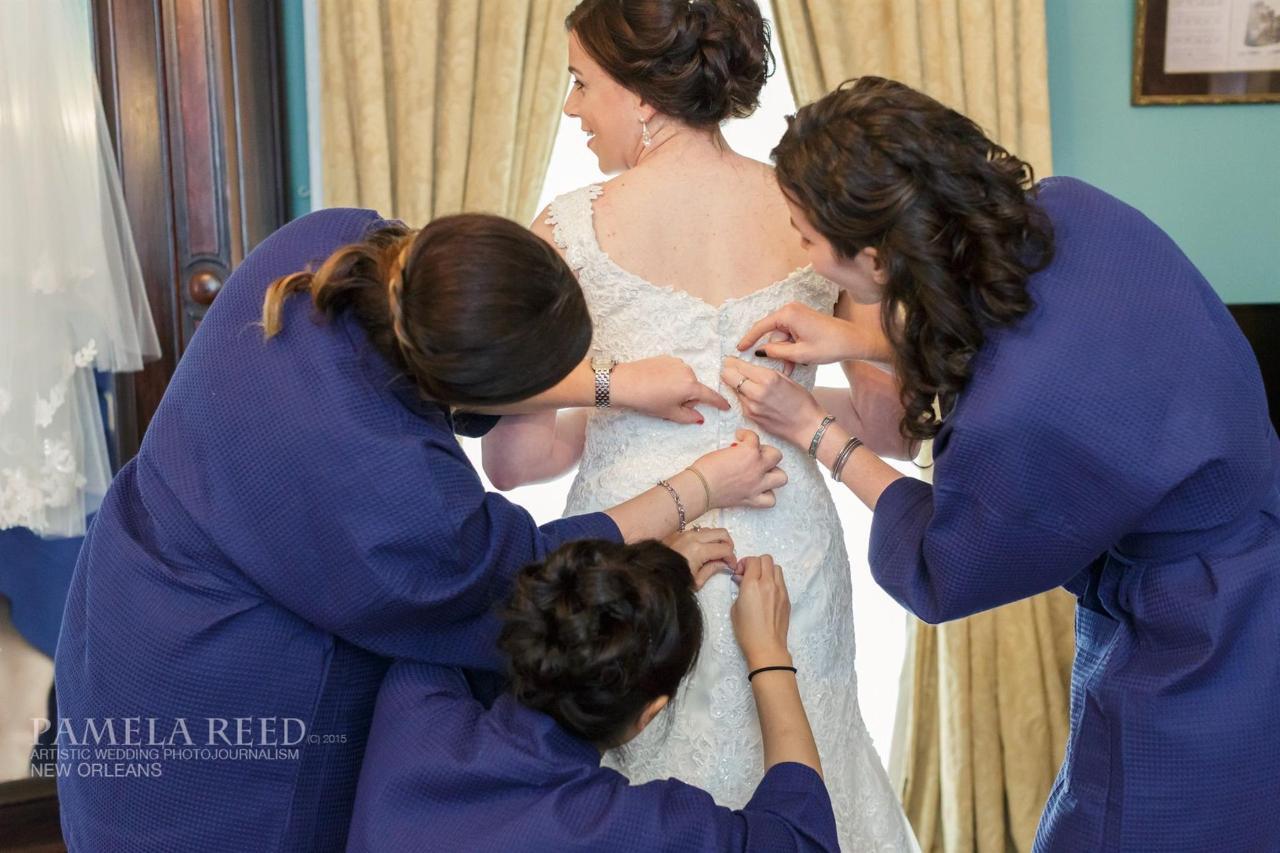 dressing-bridesmaids-pr-1.jpg