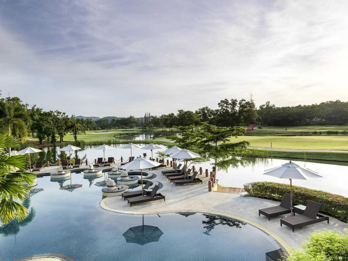 Swimming Pool with golf view.jpg