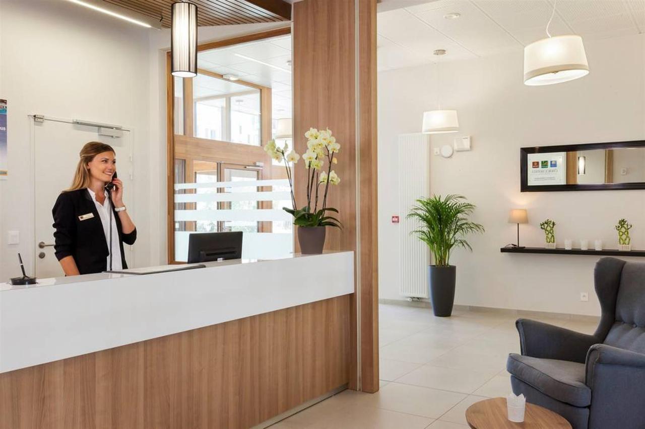 reception-1.jpg.1024x0.jpg