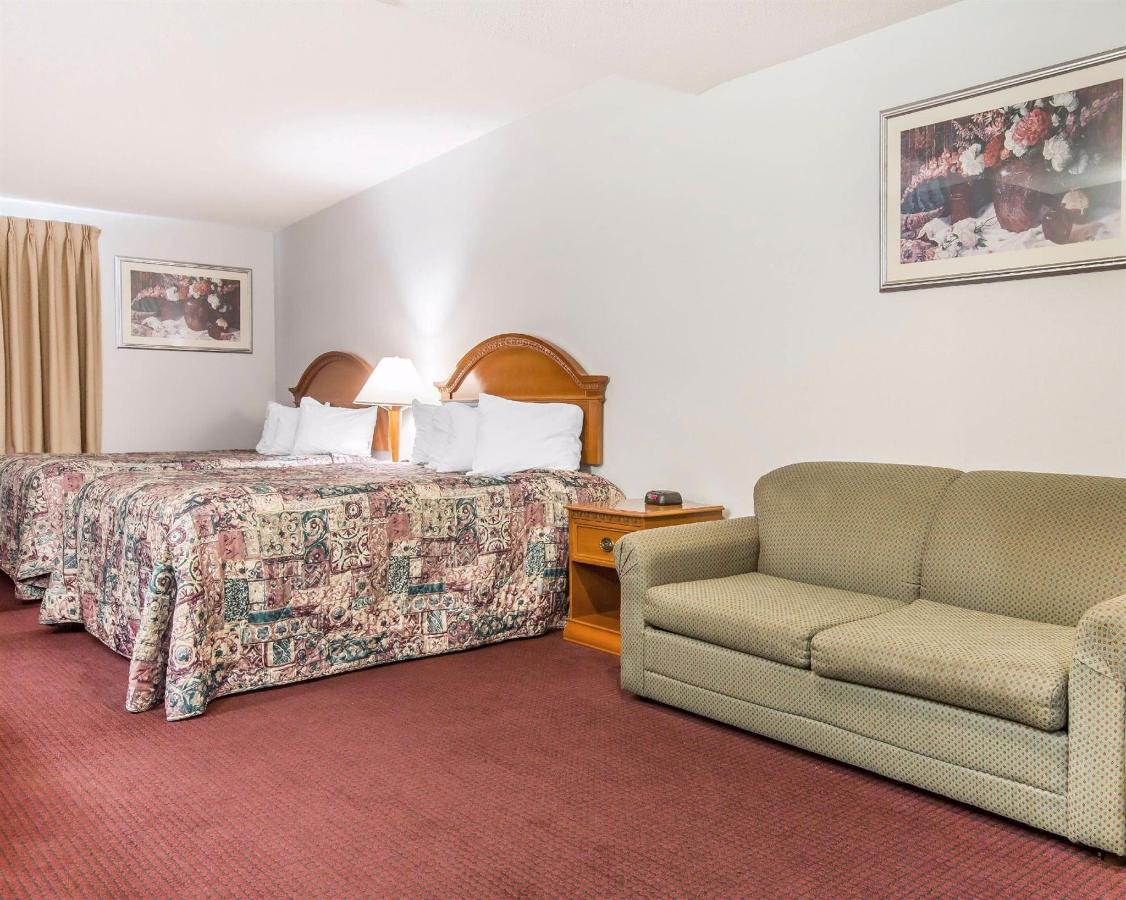 standardroomsbedroom9-1.JPG