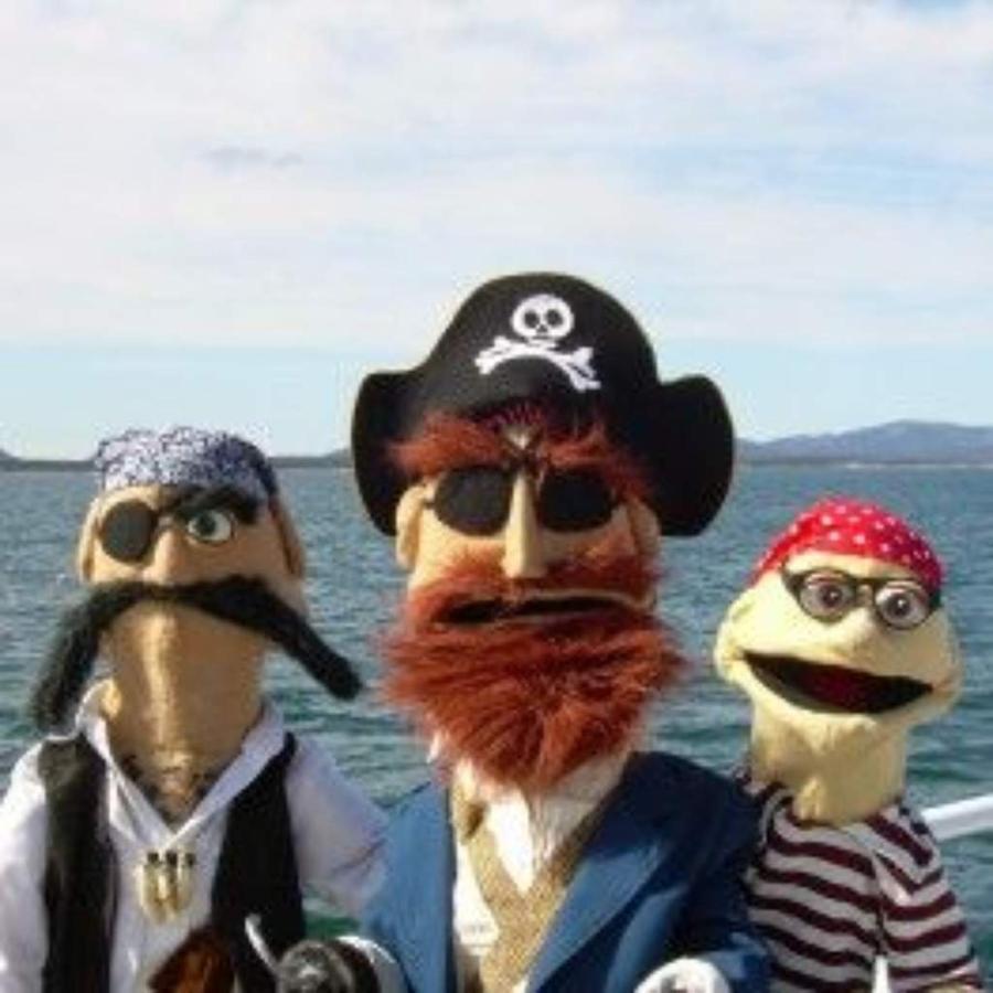 pirates-ocean.jpg.1024x0.jpg