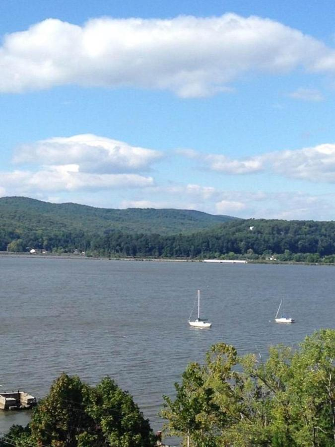 view-of-hudson-river-and-metro-north-railroad.jpg.1080x0.jpg