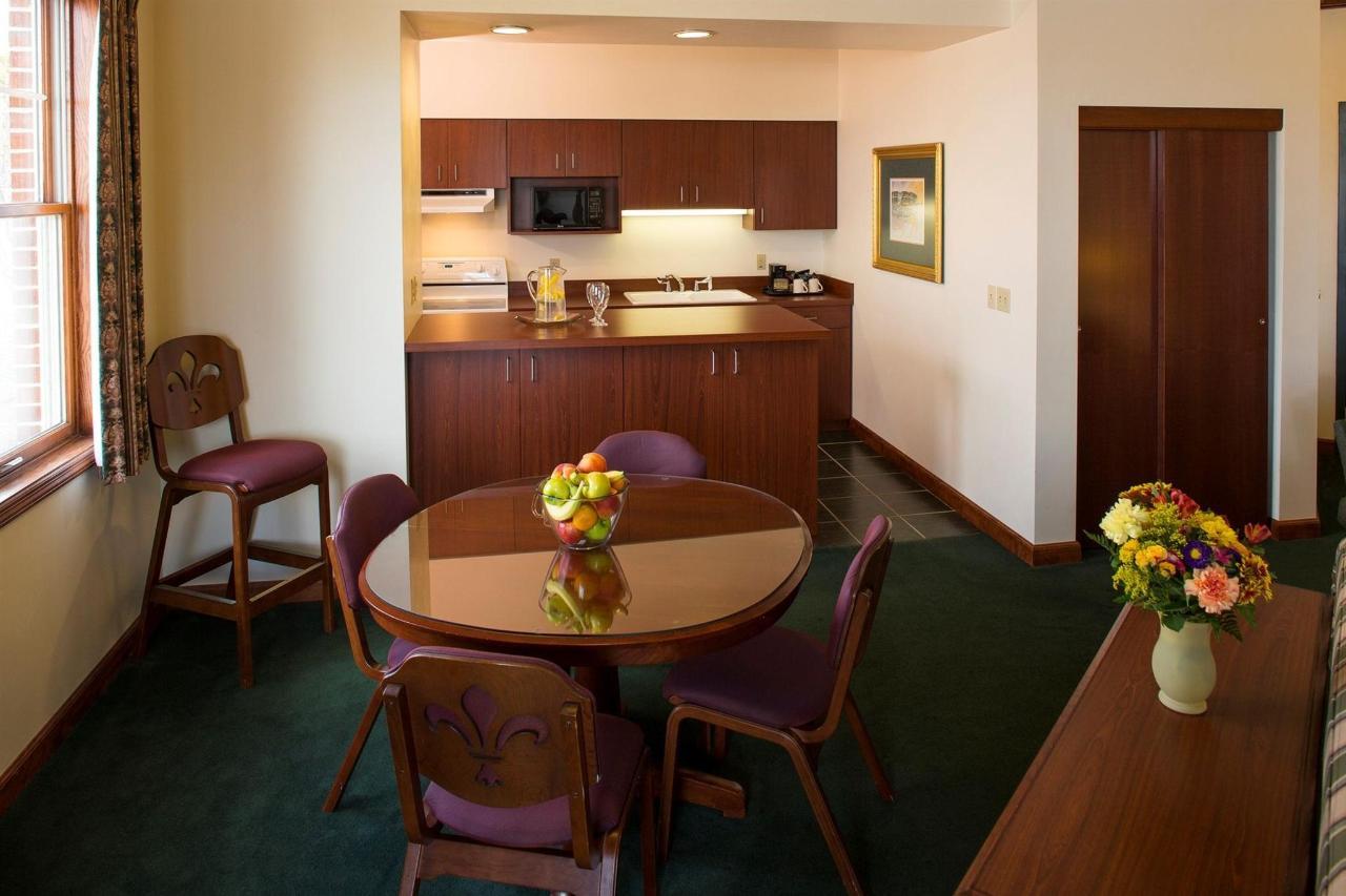presidential-suite-living-room2.jpg