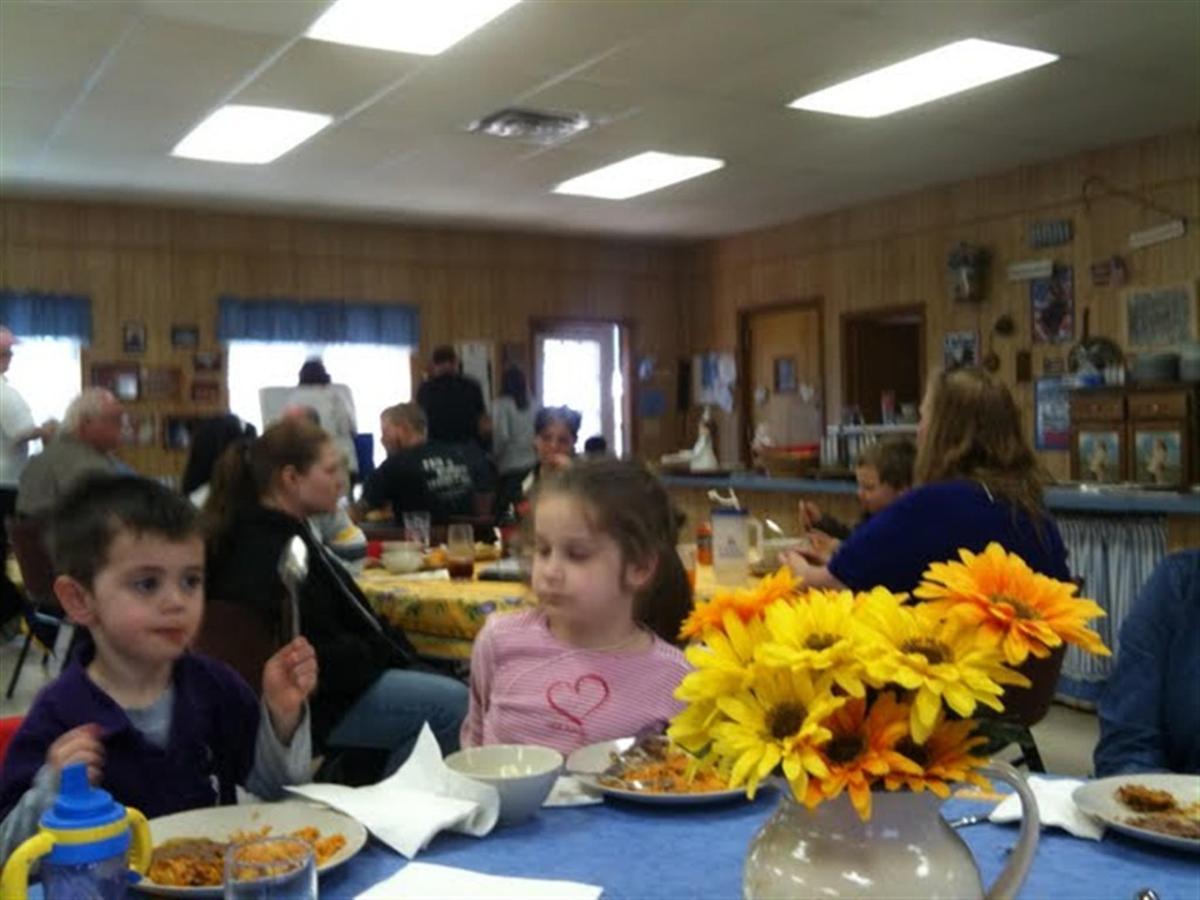 dining-room-crowd.JPG.1024x0.JPG