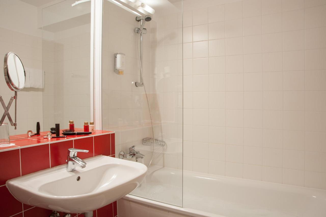 Badezimmer_Wanne.jpg