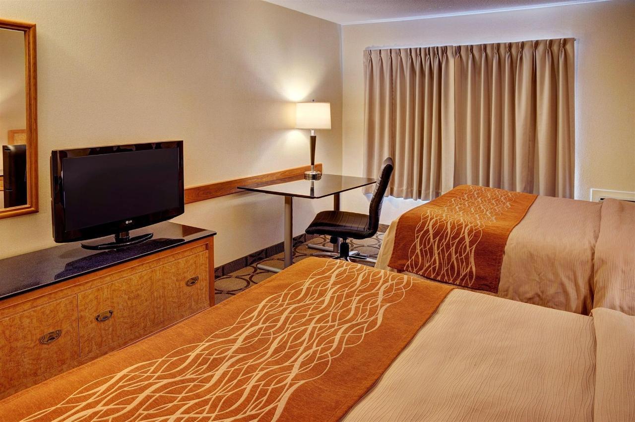 Comfort Room, 2 Double Beds, Second Floor.jpg