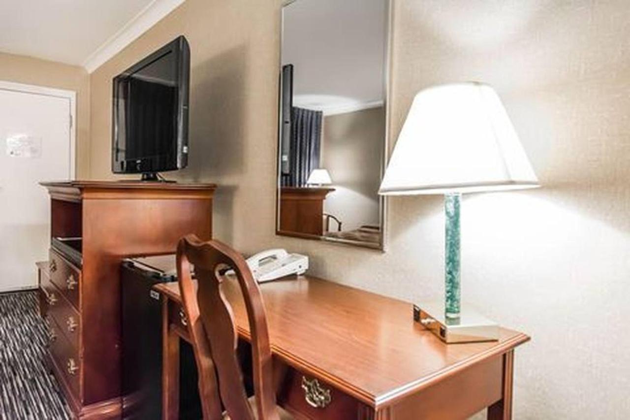 Traditional, Balcony 2 Double Beds.jpg