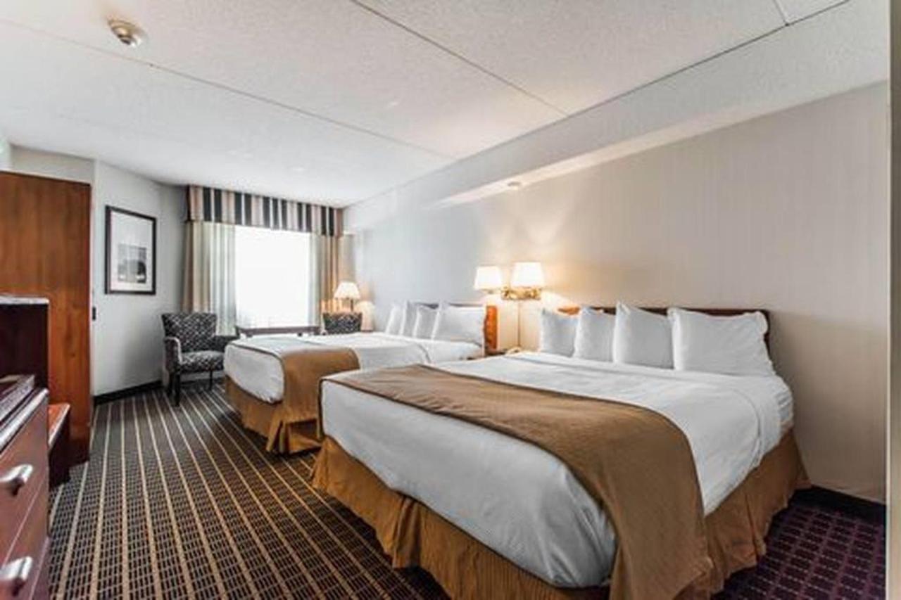 Traditional, 2 Queen Beds.jpg