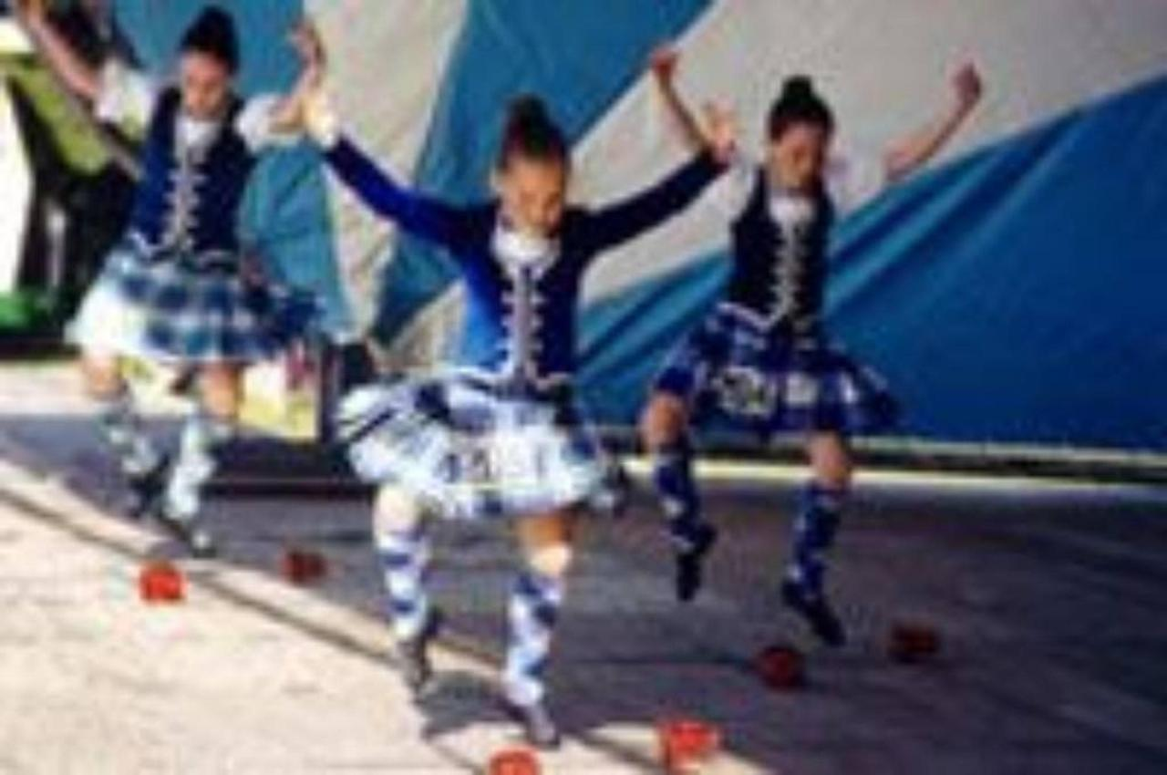 Highland Dancing - College of Piping.jpg