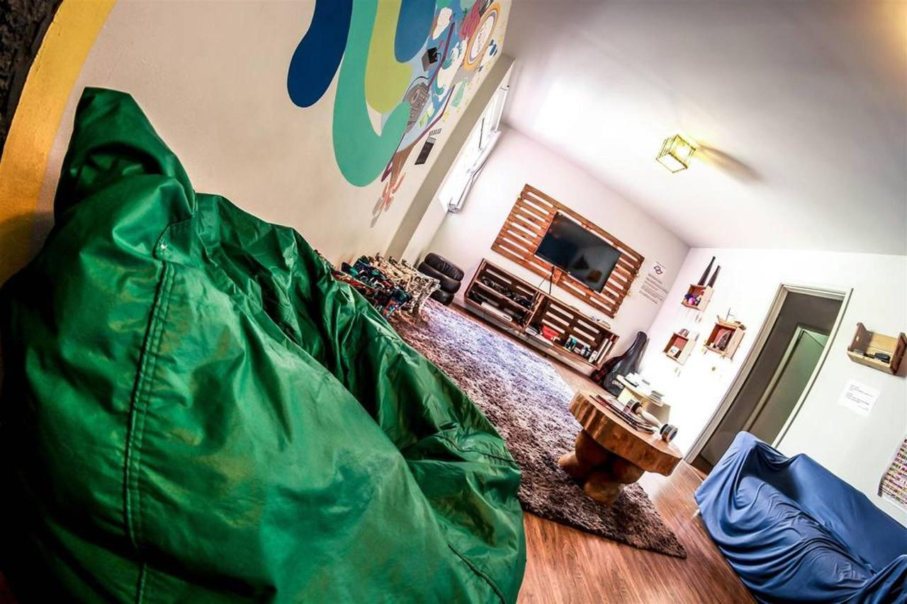 chambre tv5-1.jpg.1024x0.jpg