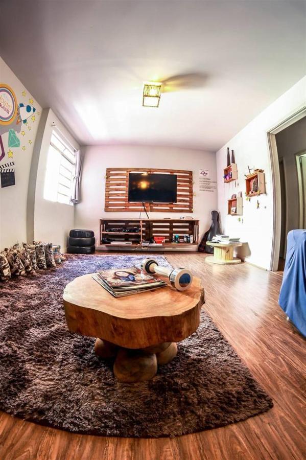 chambre tv6-1.jpg.1024x0.jpg