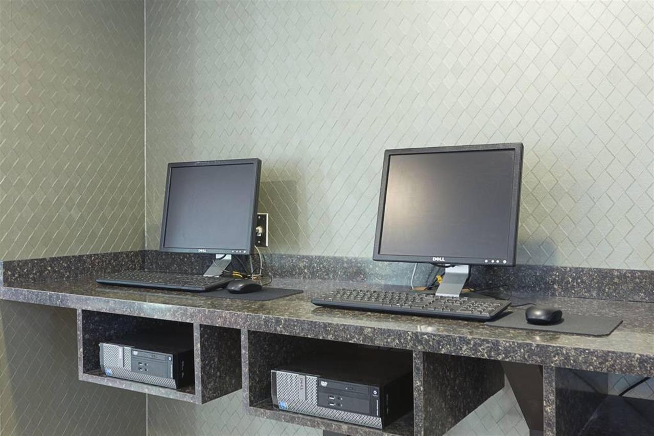 mi700businesscenter2.jpg.1024x0.jpg