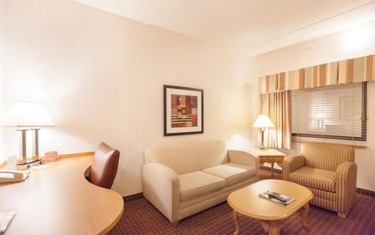 guest-suite-parlor.jpg.1024x0.jpg