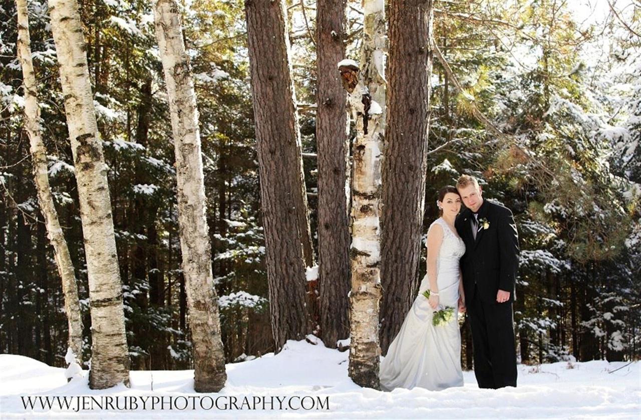wedding-pic-snow-and-trees.jpg.1920x0.jpg