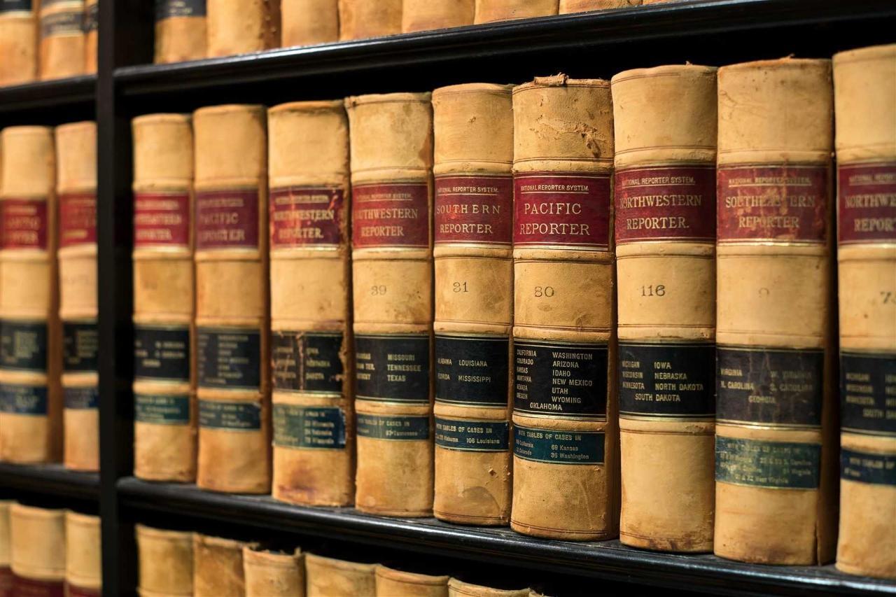 ak_sacak_lobby_details_books-1.jpg