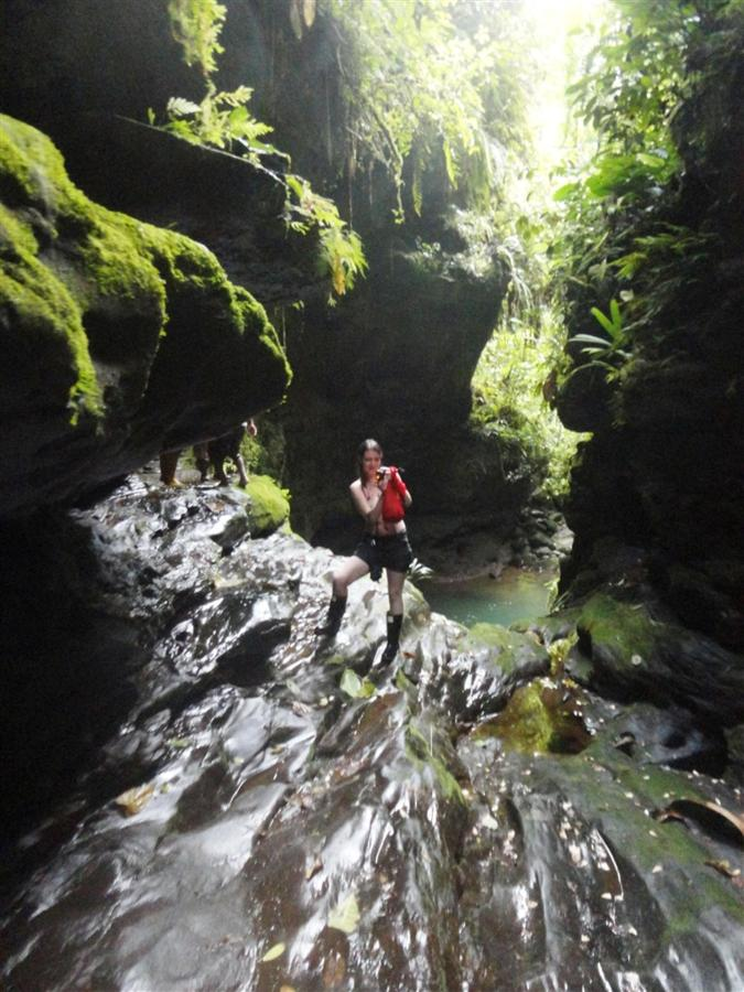 explore-canyoning-caves-rappelling-hiking-beautiful-landscapes-11.JPG.1024x0.JPG