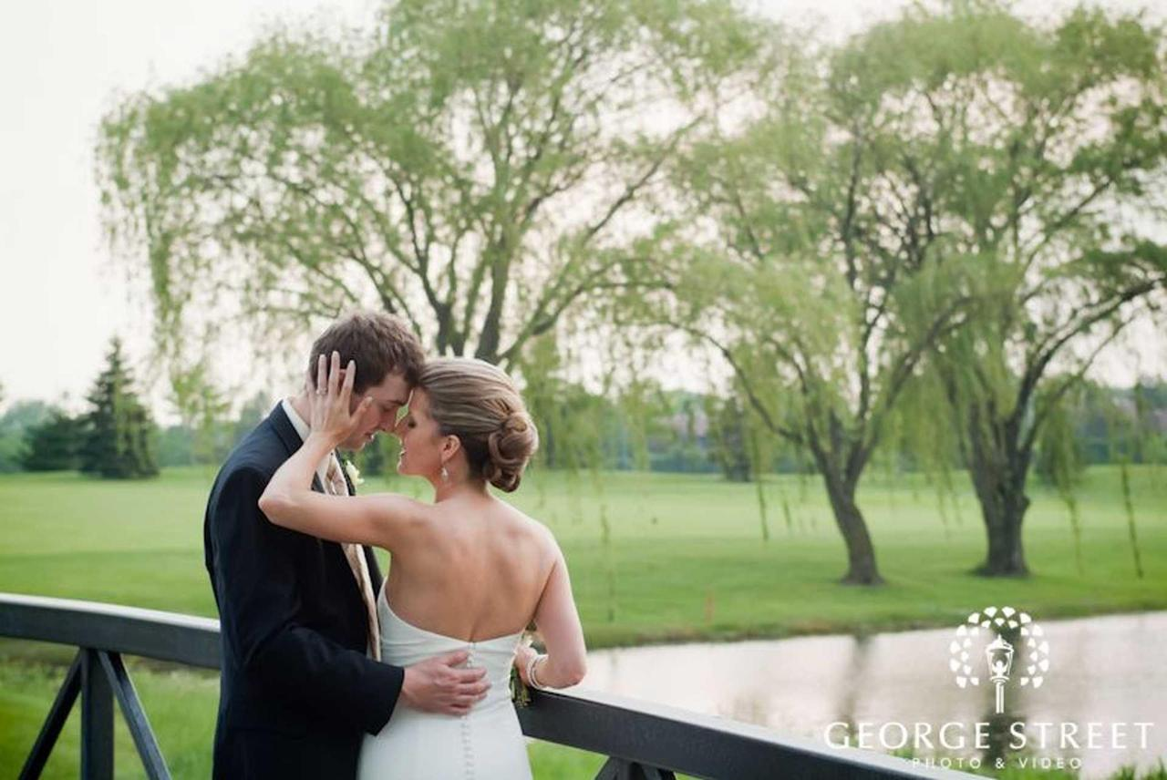 wedding-on-bridge-updated.jpg.1920x0.jpg
