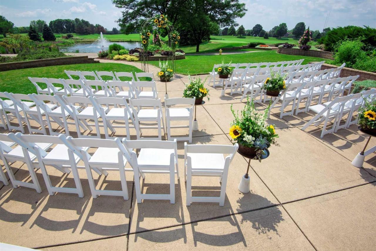 outdoor-ceremony.jpg.1920x0 (1).jpg