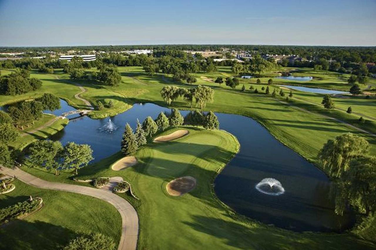 57080783-golf-course-view1-1.jpg.1920x0.jpg