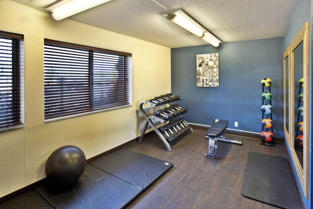 fitness_center_1-_low-res.jpg.1920x0.jpg