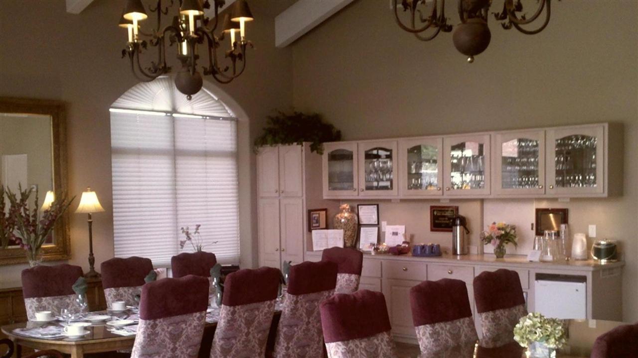 dining-room-4.jpg.1024x0.jpg