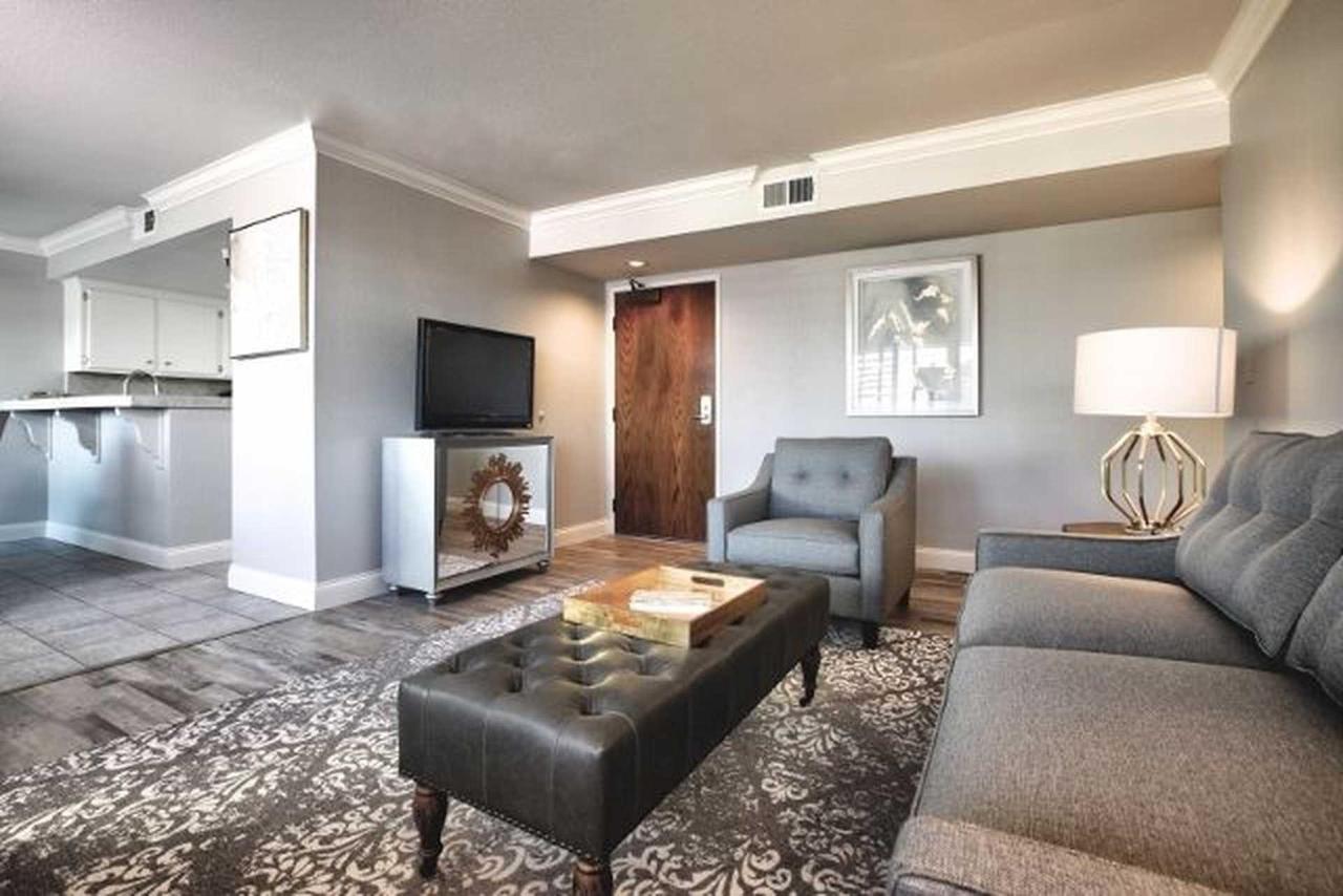livingroom-3-version-2-2.jpg.1920x0 (1).jpg