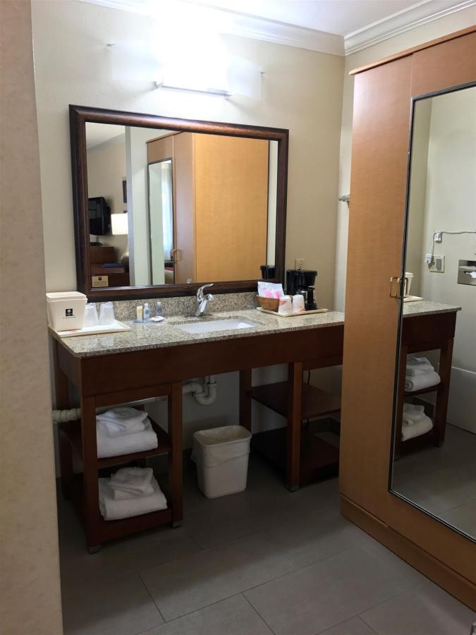 Rooms (17).JPG
