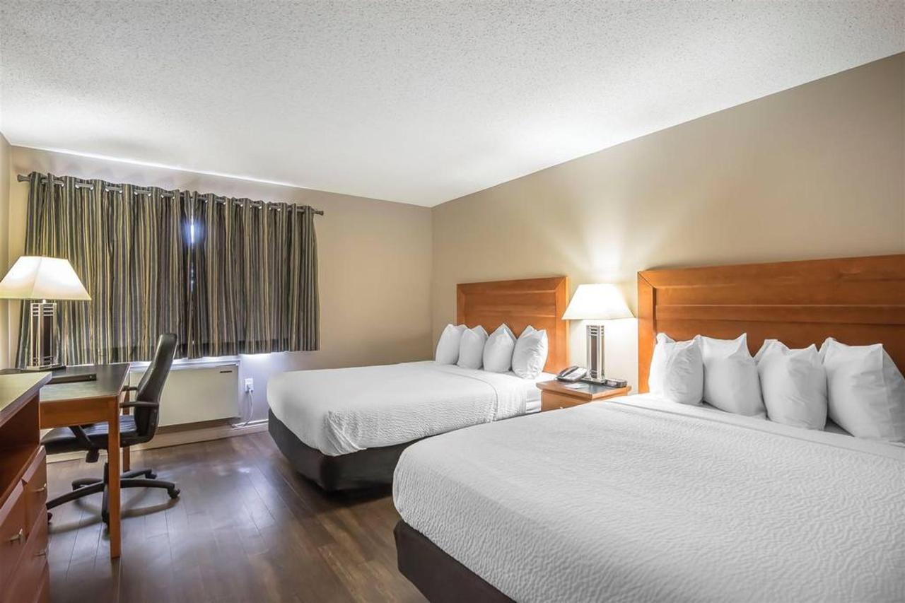 2 Queen Beds, No Smoking.jpg
