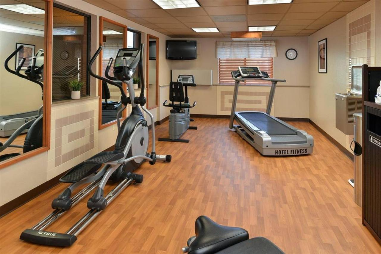 Fitness Room - cardio options.jpg