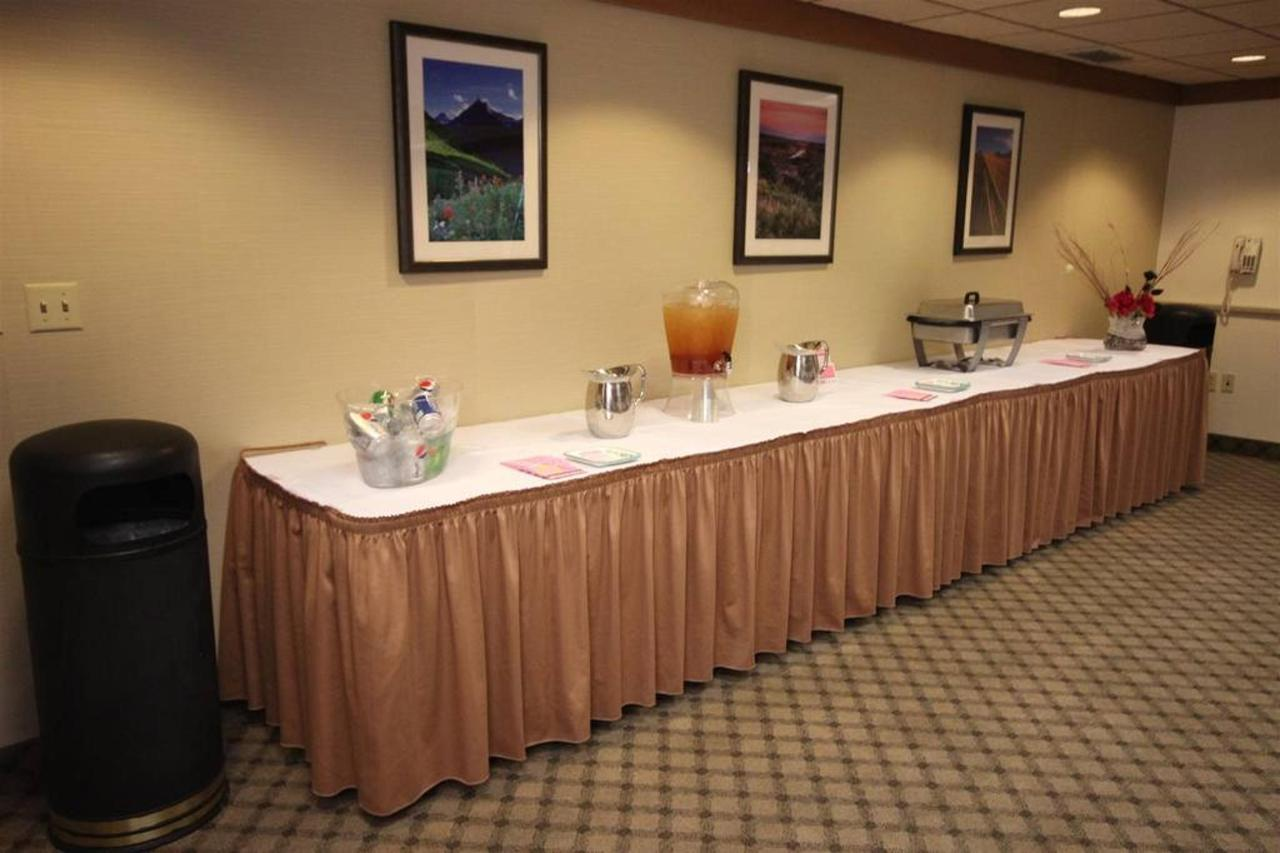 Montana Room - Your Refreshment Table.JPG
