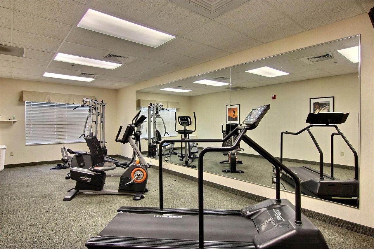 flb21-fitness-room-11.jpg