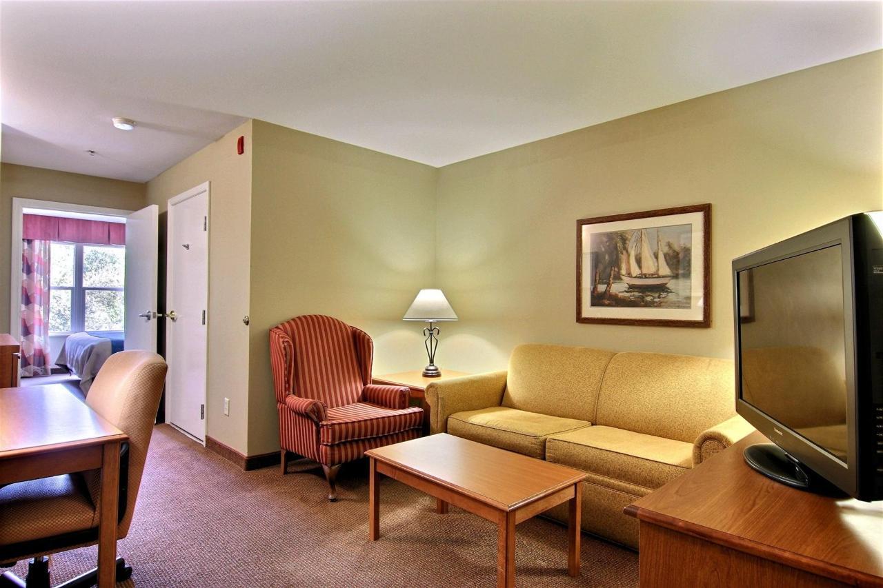 flb21-2-rm-king-suite-1-11.jpg