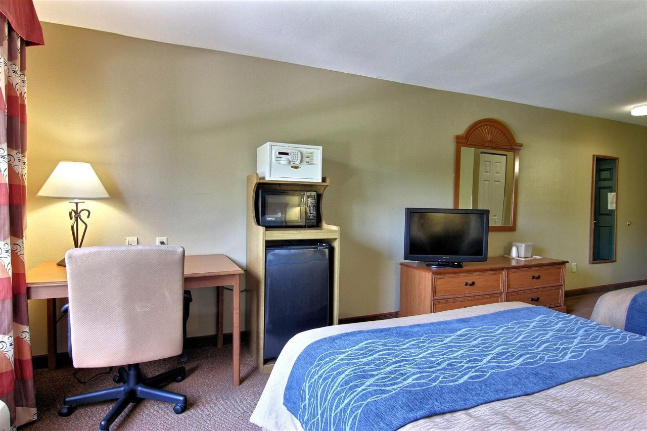 flb21-standard-2-queen-bedroom-11-1.jpg