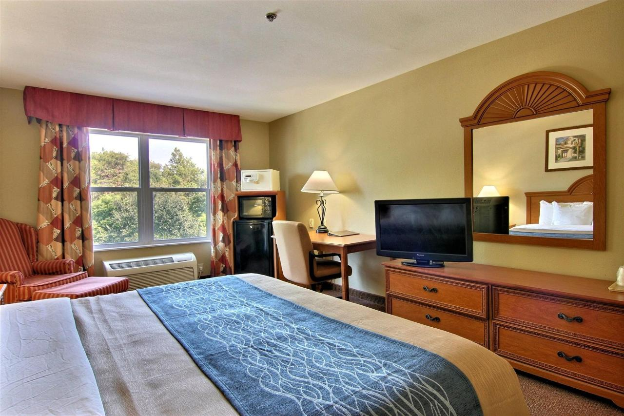 flb21-standard-king-bedroom-1-11.jpg