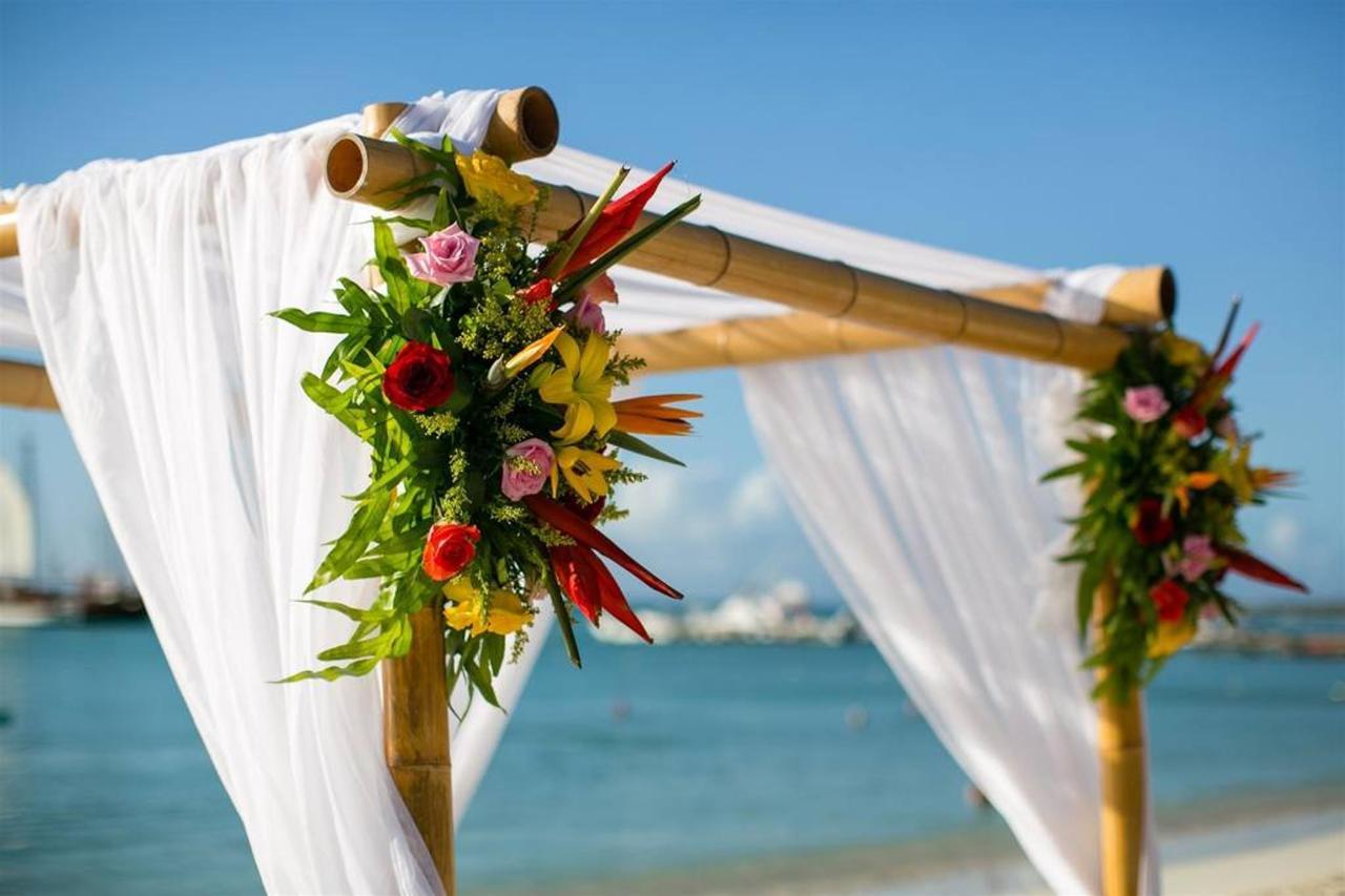 Weddings_HolidayInnAruba7.jpg