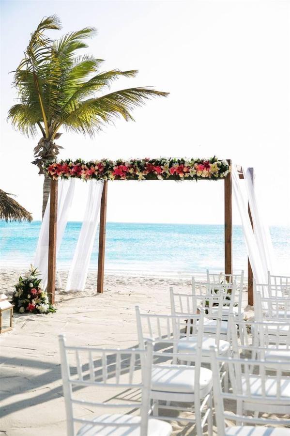 Weddings_HolidayInnAruba21.jpg