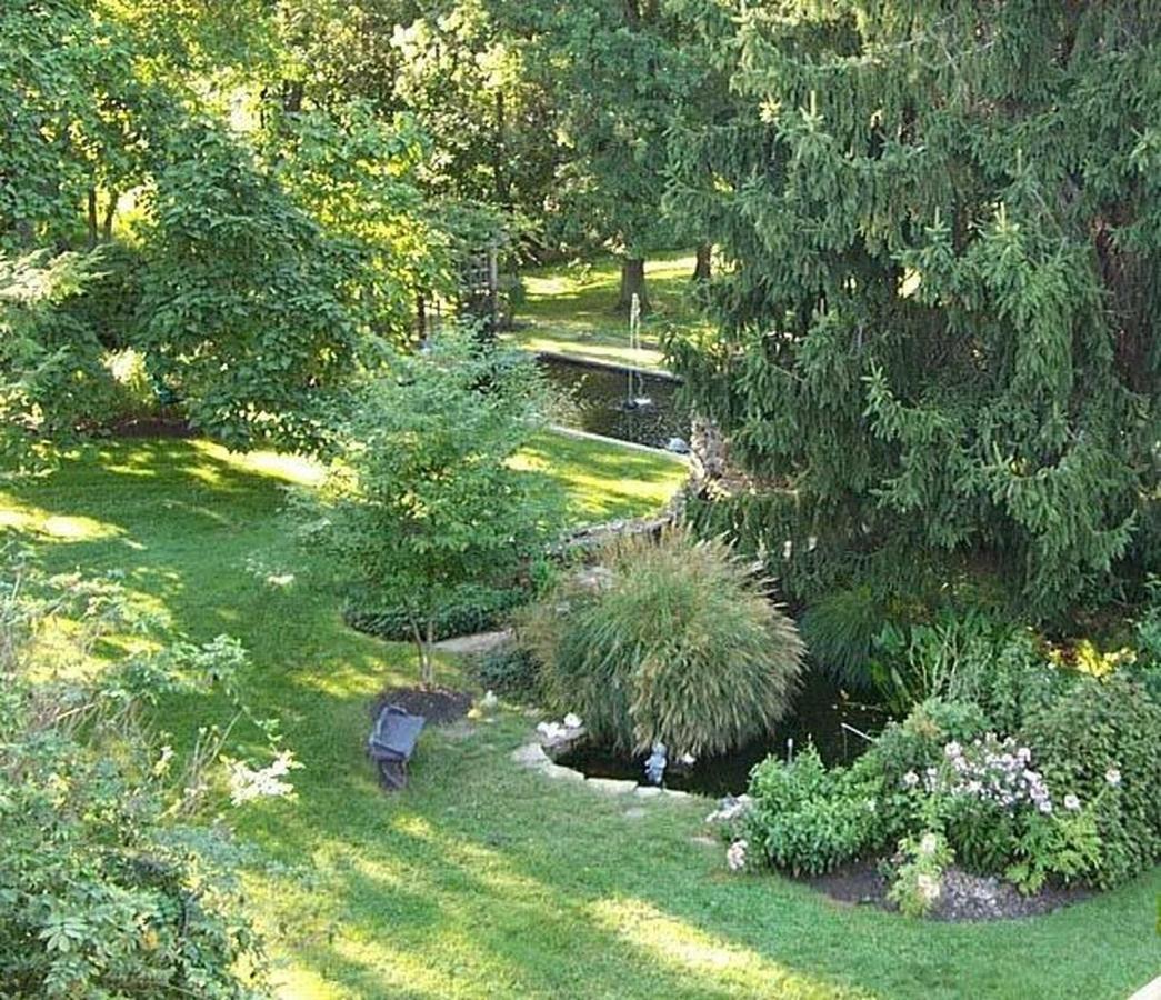 ponds.jpg.1920x0.jpg