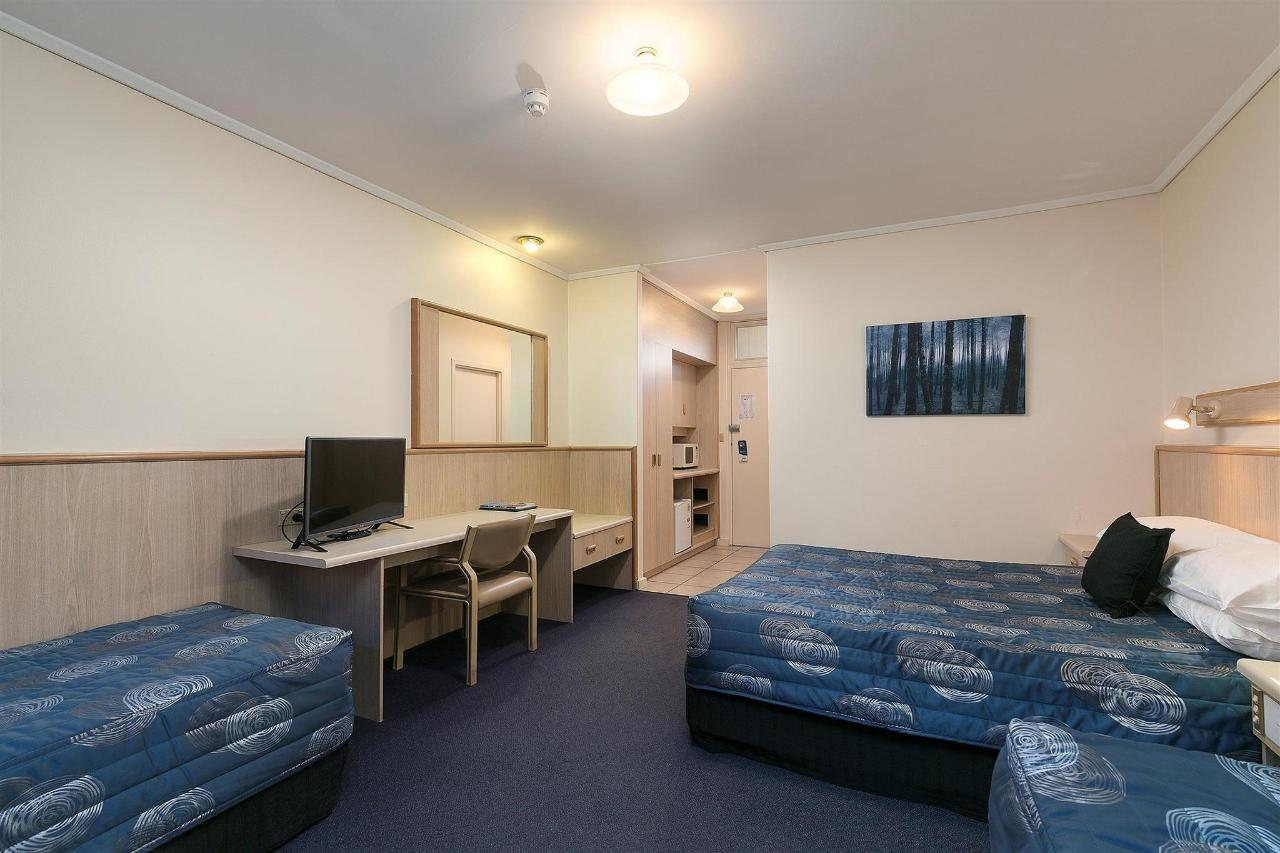 037_open2view_id430822-comfort_inn_anzac_highway-1.jpg