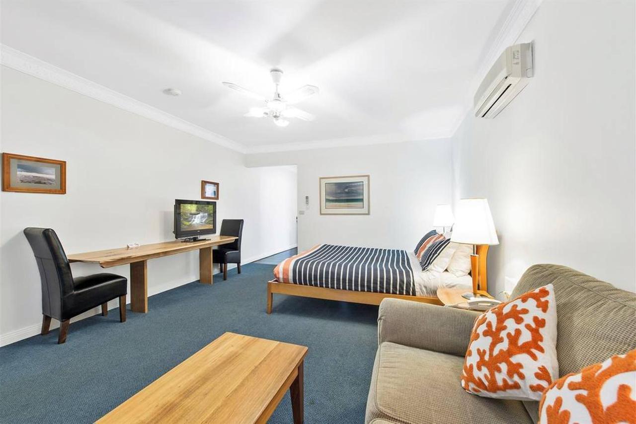 deluxe-spa-room-2.jpg.1024x0.jpg