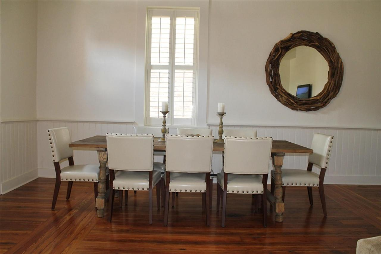 grand-penthouse-dining-area.JPG.1024x0.JPG
