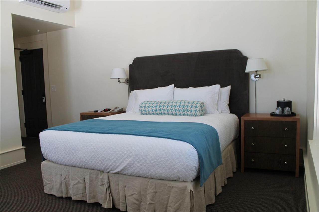 king-guest-room-3.JPG.1024x0.JPG