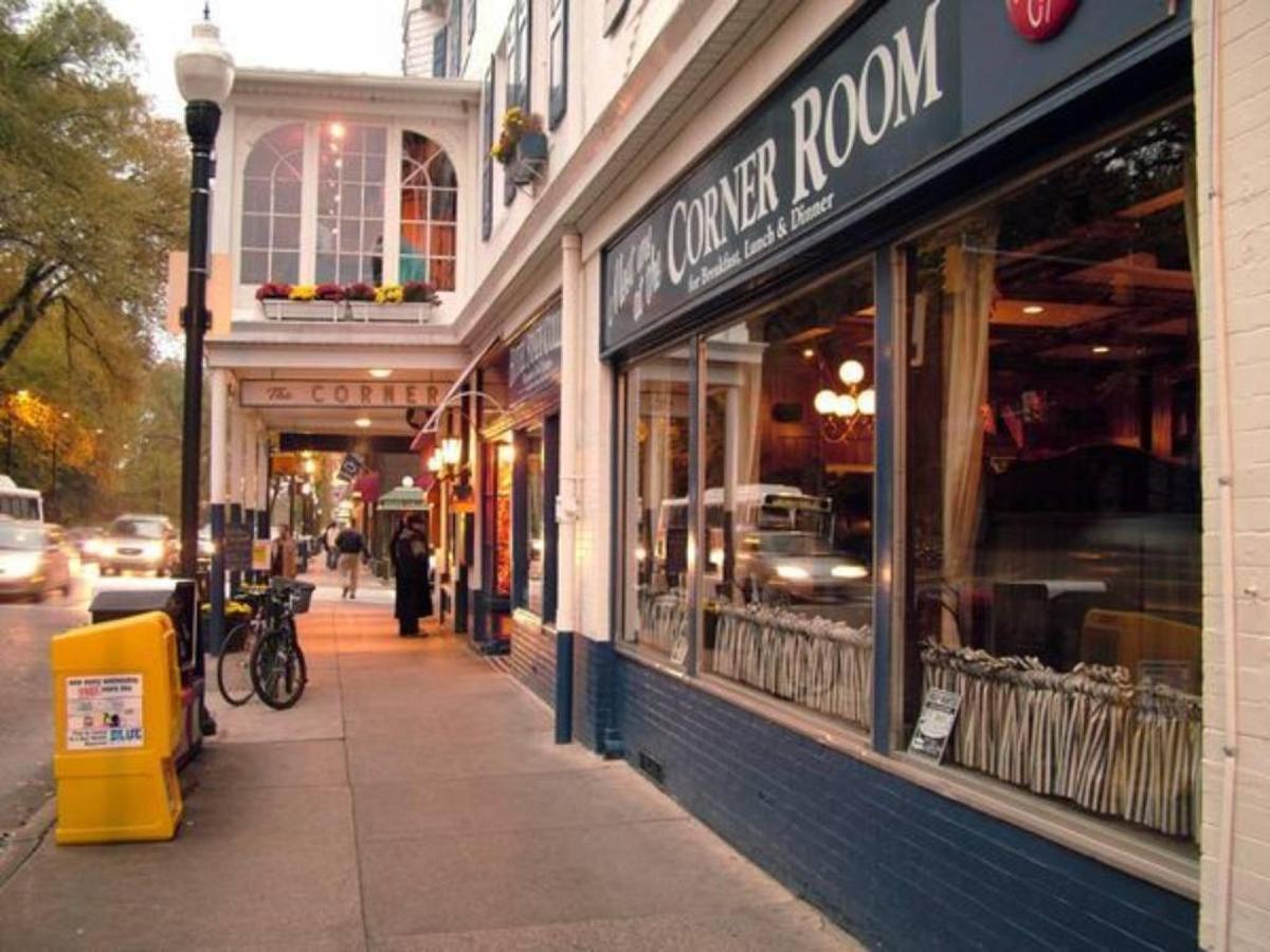 downtown-state-college-the-corner-room.jpg.1024x0.jpg