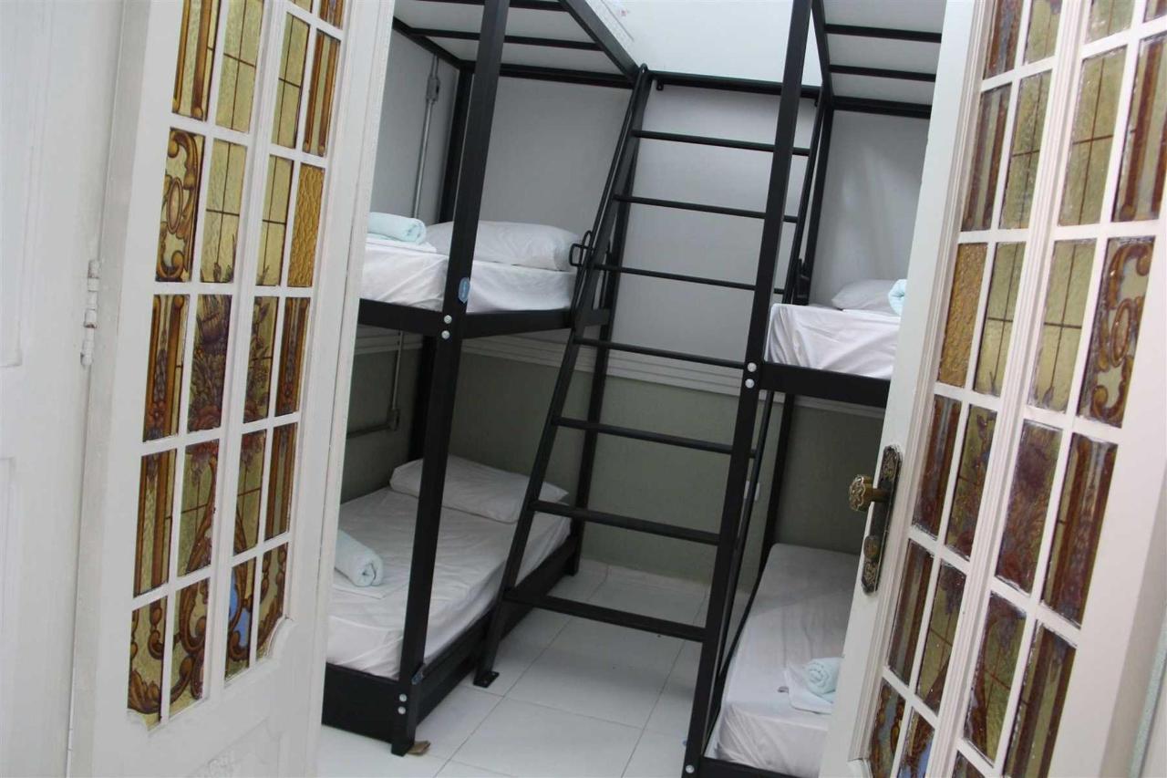 Quarto Compartilhado Misto (6 camas).jpg
